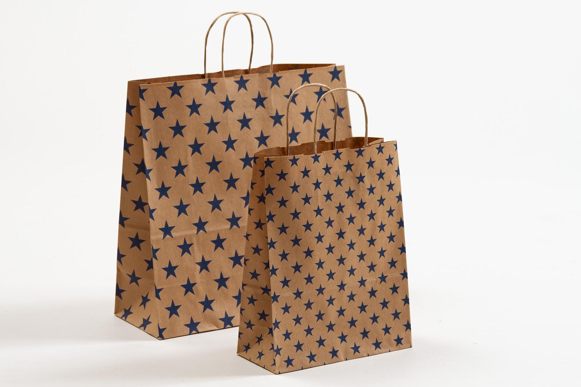 Papiertragetaschen mit Sternen